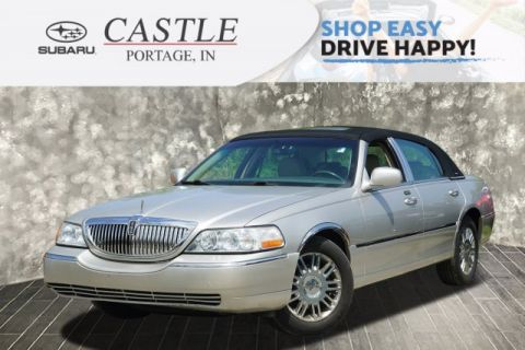 Pre-Owned 2006 Lincoln Town Car Designer Series